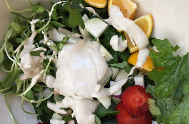 Salada Antioxidante e Anti-inflamatória de Morangos e Kohlrabi